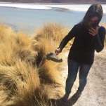 Por querer sacar la foto lo más cerquita posible de la laguna... zapatilla dentro del barro