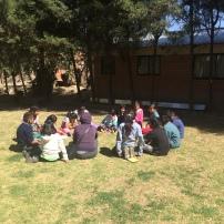 Visita de compañeros de clase a Jade